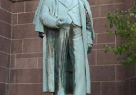 Benjamin Silliman, Sr. statue